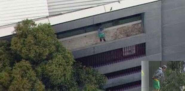 Jovem fica preso no parapeito do 5ºandar de prédio