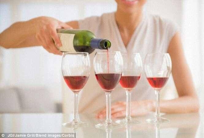 Beber álcool até 5 vezes por semana reduz chances de ataques cardíacos