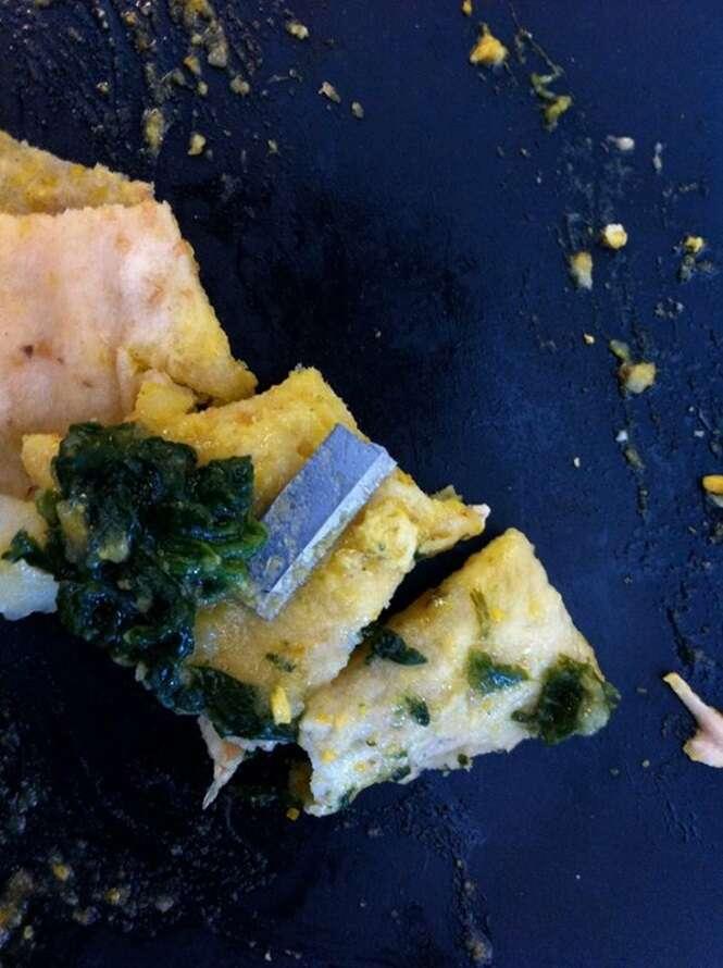 Fotos de coisas que pessoas encontraram em suas refeições