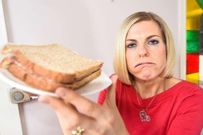 Obesa de 120 quilos perde mais da metade de seu peso ao abandonar vício em sanduíches