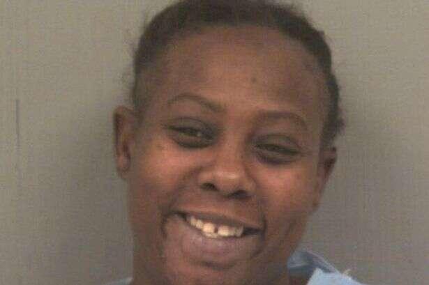 Mulher é presa após morder a língua do namorado
