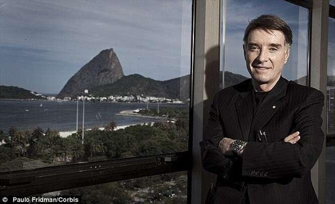 """Eike Batista joga R$ 700 mil no mar em Ipanema para """"apaziguar Iemanjá"""""""