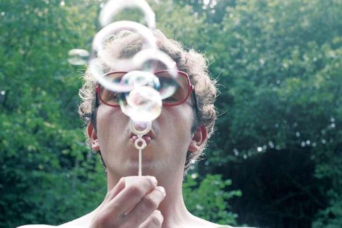 Cientistas descobrem a forma correta para fazer bolhas de sabão