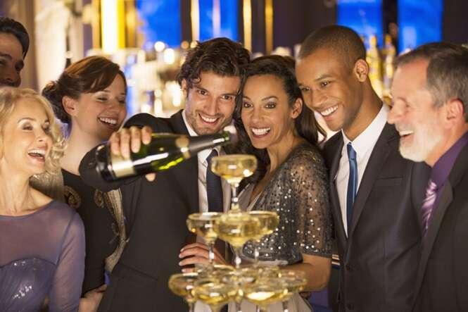 Pessoas mais ricas são as que bebem com mais frequência