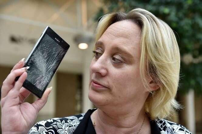 Mãe fica chocada após celular da filha se quebrar e surgirem nele imagens de conteúdo voltado a adultos