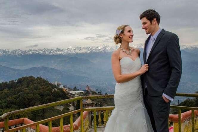 Noivos se casam em 8 países diferentes