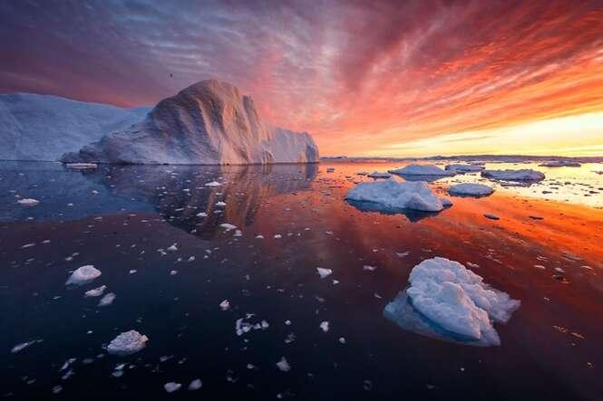 Fotógrafo se especializa em capturar lindas imagens de icebergs