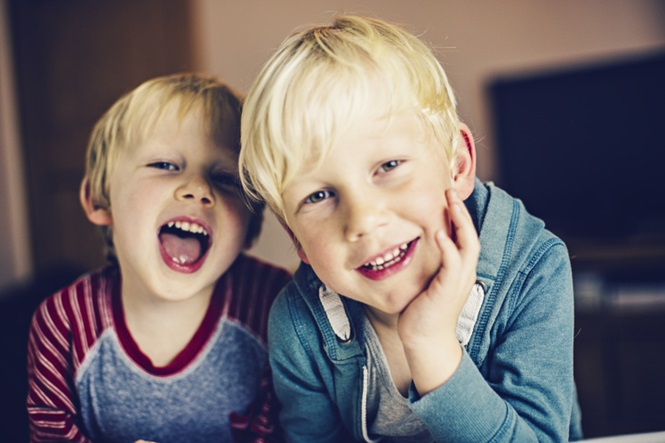 Ter um irmão mais novo faz bem para sua saúde