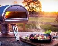 Forno portátil permite cozinhar comida à lenha em qualquer lugar