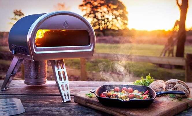 Forno portátil permite cozinhar comida à lenha