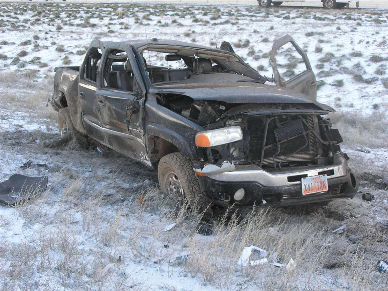Mulher tragicamente morre em acidente de carro enquanto viajava para o funeral de sua mãe