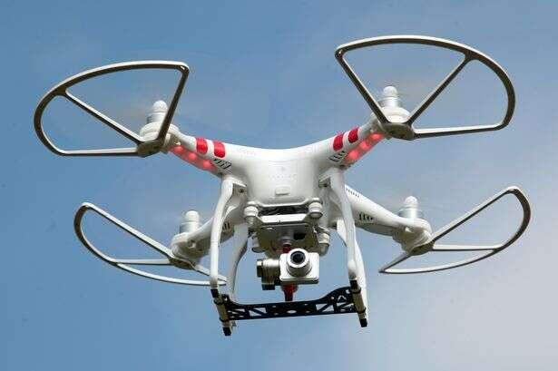 Drone quase derruba avião com centenas de passageiros