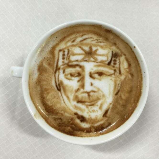 Desenhos incríveis feitos no café