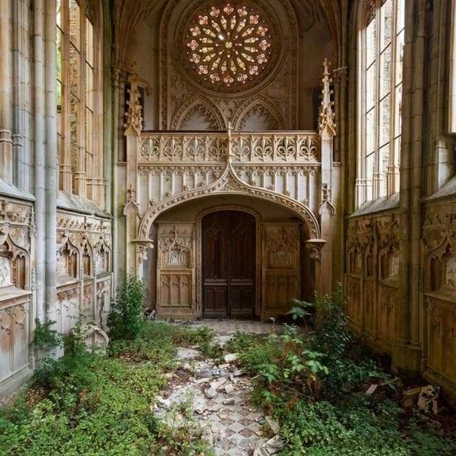 Fotos de locais simultaneamente bonitos e assustadores