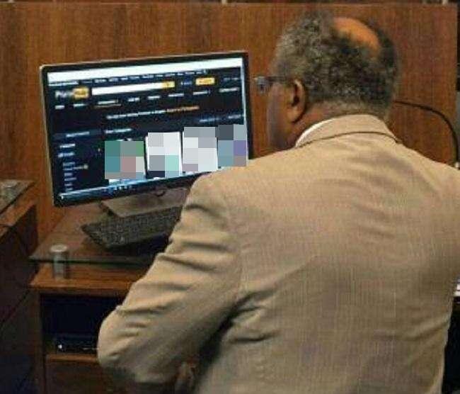 Político do PT é flagrado em site para público adulto durante sessão na Câmara dos Vereadores