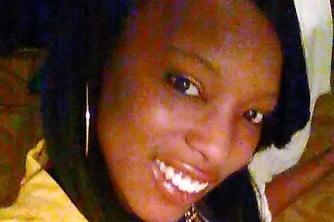 Filho de 2 anos acha arma no banco traseiro do carro e mata a mãe