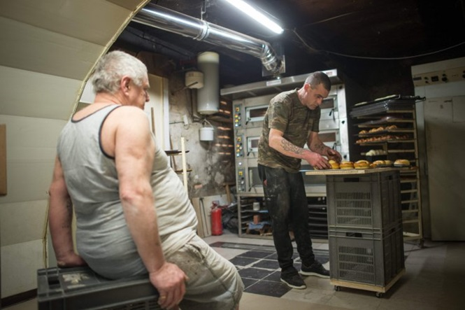 Homem vende padaria a mendigo por apenas R$ 4