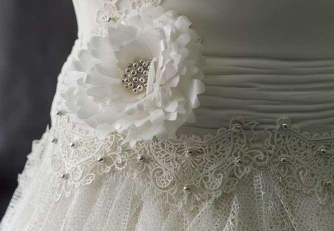 Vestido de casamento feito por três mulheres durante 300 horas de trabalho nunca será usado