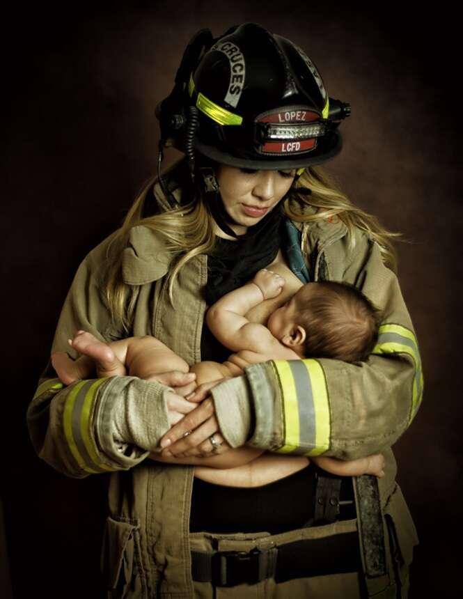 Bombeiro é investigado porque sua esposa foi fotografada amamentando seu filho enquanto usava uniforme da corporação