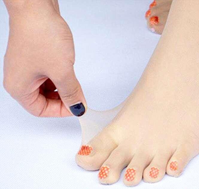 Japoneses inventam meia-calça para quem tem preguiça de fazer as unhas dos pés
