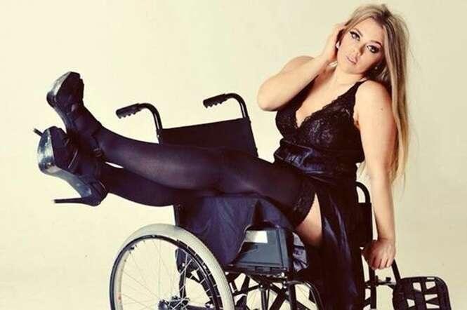 Mulher tenta se tonar primeira modelo plus-size deficiente do Reino Unido