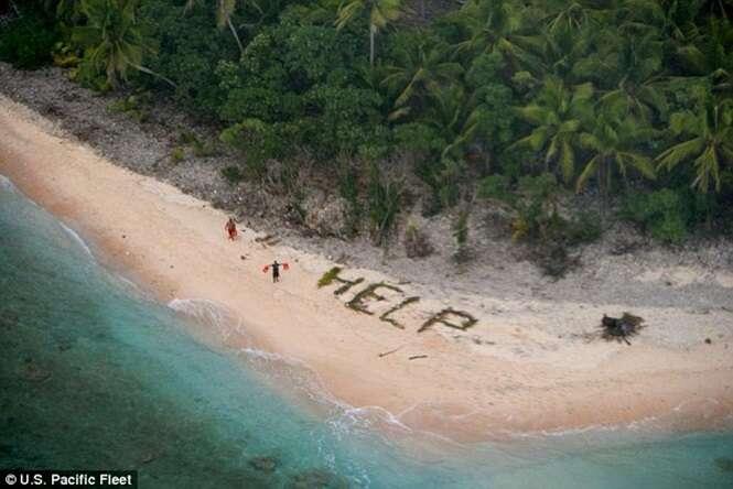 Náufragos são resgatados em ilha