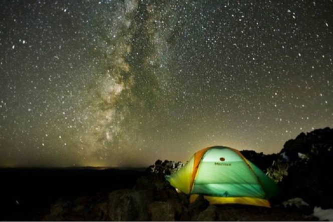 Lindas imagens da natureza durante a noite