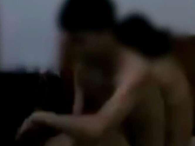 Esposa filma marido e amante nus na cama após desconfiar de traição