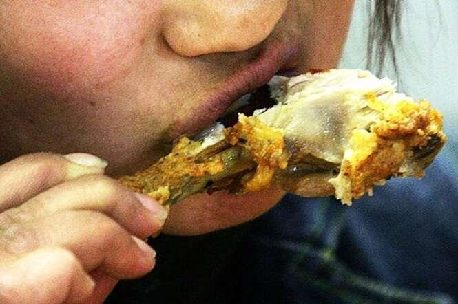 Funcionários de grandes redes de fast foods revelam quais lanches devem ser totalmente evitados
