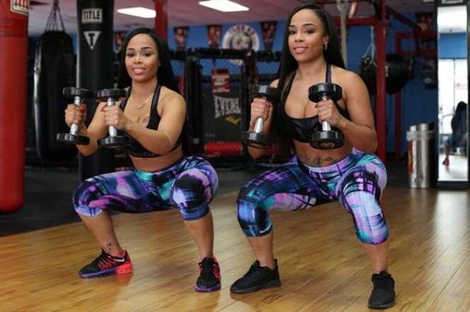 Gêmeas que possuem bumbuns de 1,20 metro dizem que forma física se deve a 2 mil agachamentos diários