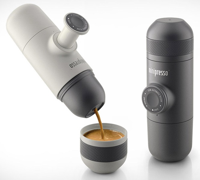 Máquina portátil de café expresso é a solução para quem vive viajando