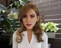 Designer gráfico constrói robô hiper-realista inspirado na atriz Scarlett Johansson