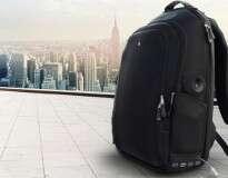 Empresário cria mochila com Wi-Fi e bateria interna