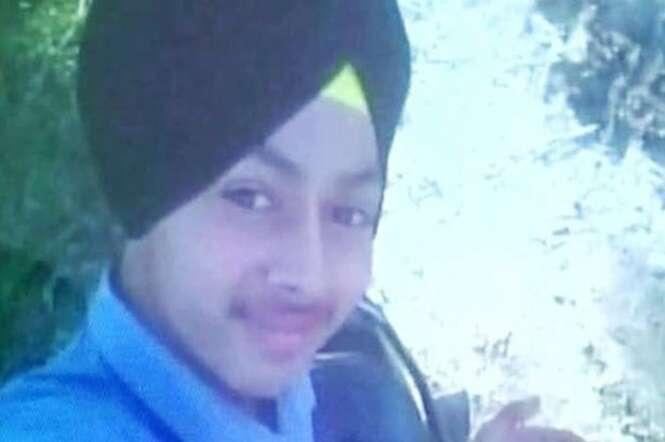 Adolescente morre após confundir clique de câmera com gatilho da arma do pai