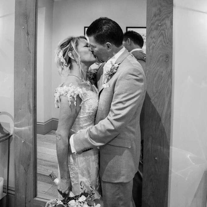 Recém-casada descobre que marido já é casado