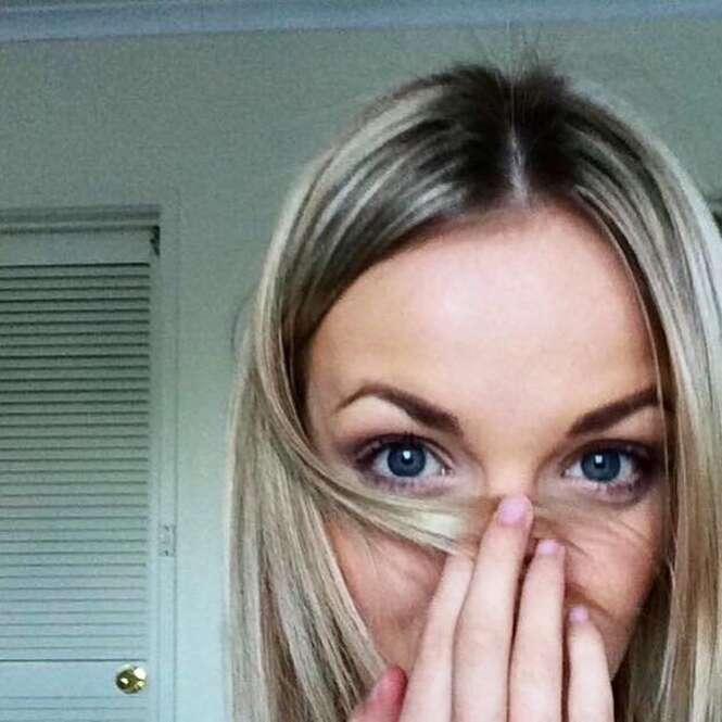 """Blogueira se maquia no escuro e fica com nariz """"polido"""""""