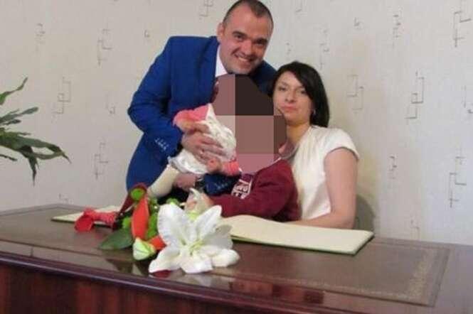 Marido recém-casado acorda e encontra esposa morta ao seu lado