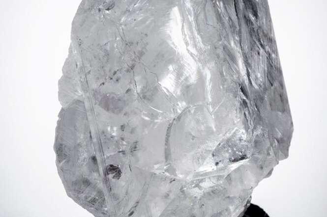 Diamante do tamanho de bola de tênis é encontrado