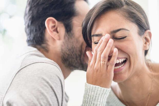 Pesquisa revela que você pode realmente ser feliz ao lado de uma pessoa feia