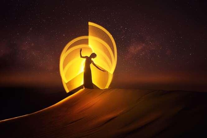 Artistas viajam pelo mundo criando fotos incríveis com ajuda da luz