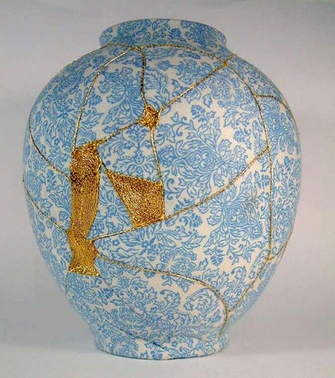 """Vasos quebrados são reparados por meio de """"fios de ouro"""""""
