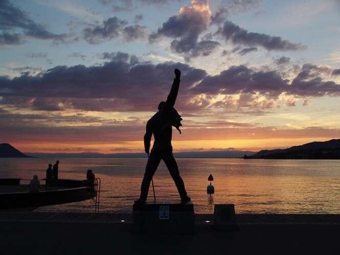 Estátuas incomuns de famosos pelo mundo