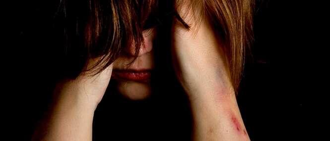 Jovem que sofre abuso sexual por dez anos é autorizada a sofrer eutanásia
