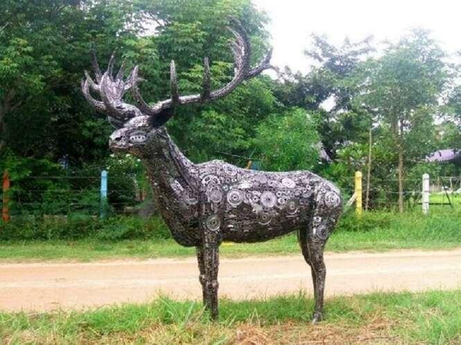 Esculturas incríveis feitas de itens do dia a dia