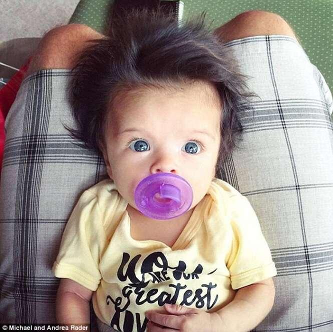 Bebê incrivelmente belo se torna sensação na web