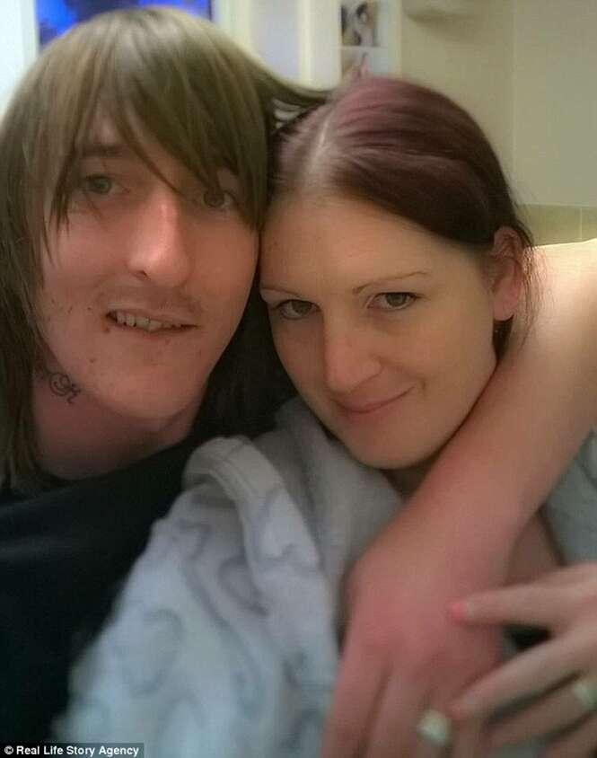 Esposa que perdeu a libido após a gravidez permite que marido durma com outras mulheres