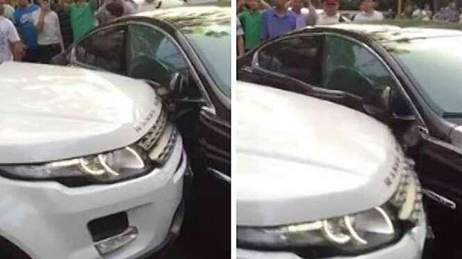 Motorista de Range Rover fica furiosa e destrói Jaguar que impedia sua passagem