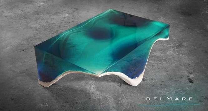 Mesa inspirada no fundo do mar