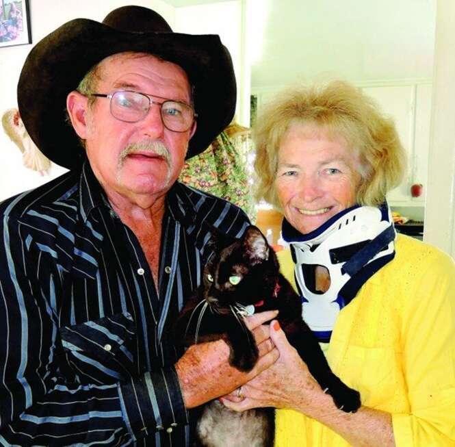 Mulher cega recupera a visão depois de cair dentro de casa