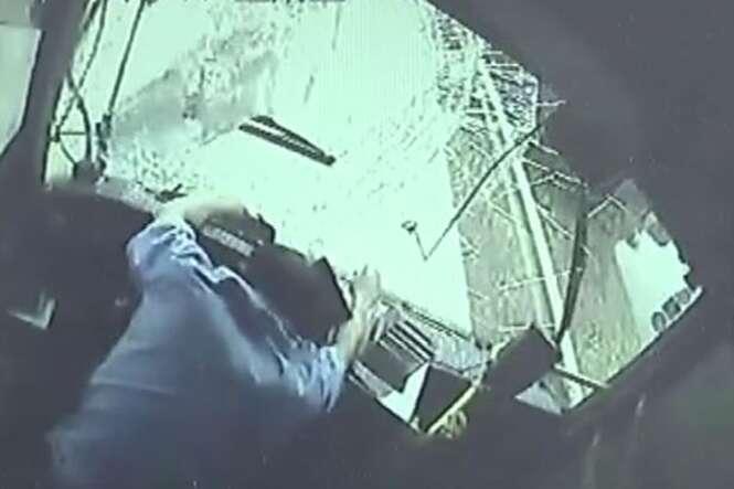 Motorista de ônibus sacrifica a própria vida para salvar 12 passageiros